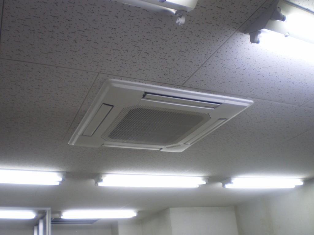天井埋め込みエアコン取替後